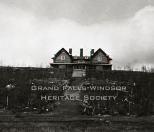 Grand Falls Townsite - Log House 1907