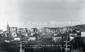 View of Beaumont Avenue from Post Office. Showing Bank Road. Circa 1920